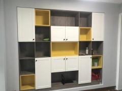 卧室定制-现代风多层实木柜-如意屋定制馆